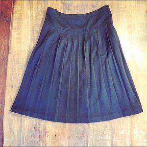 ❤️ Black Pleated Skirt (XL)